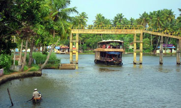 kerala premium houseboat package